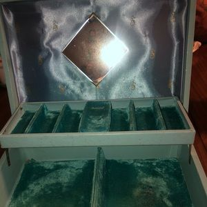 1950s Vintage Leatherette Baby Blue Jewelry Box